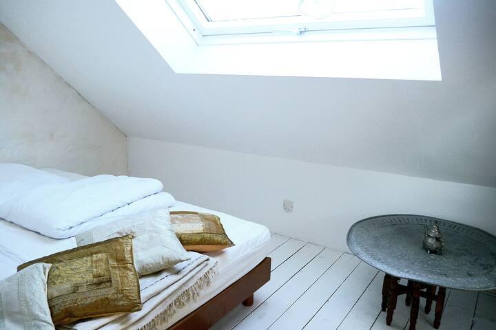 La 2ème chambre (2lits simples)