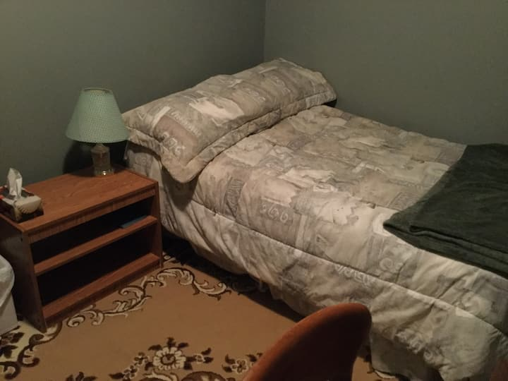 ROOM A BLACKSTONE BED AND BREAKFAST