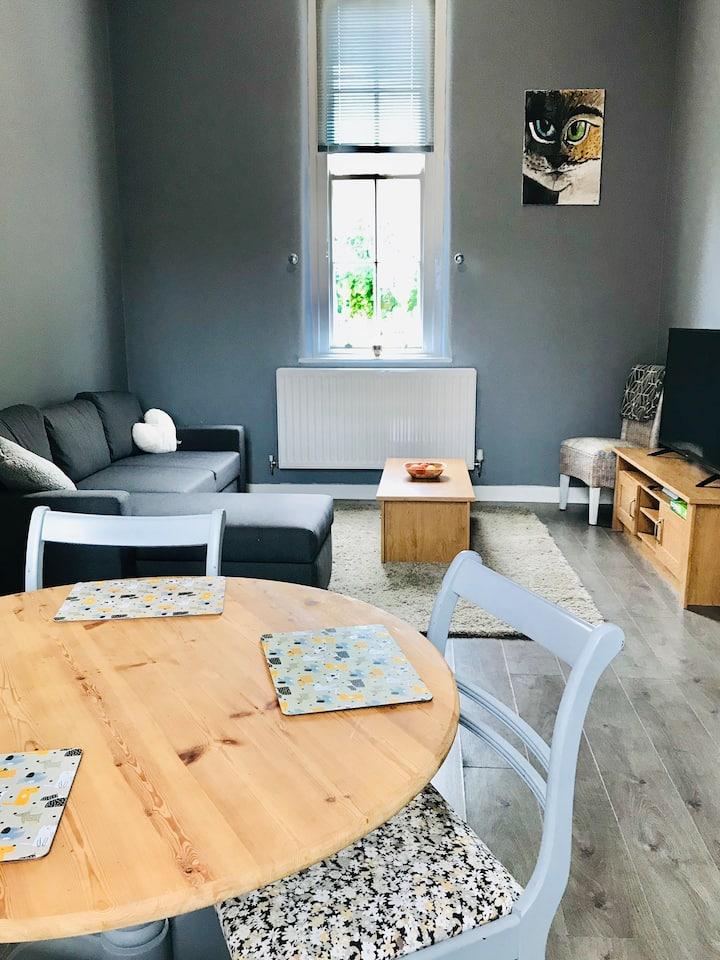 1 bed self contained apartment