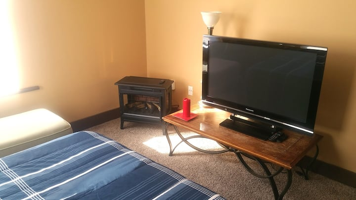 Clean and comfortable private 1 bedroom