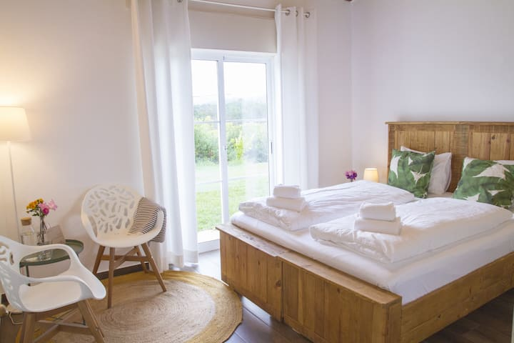 COLINA CALMA - Twin or Double Bedroom // Breakfast included