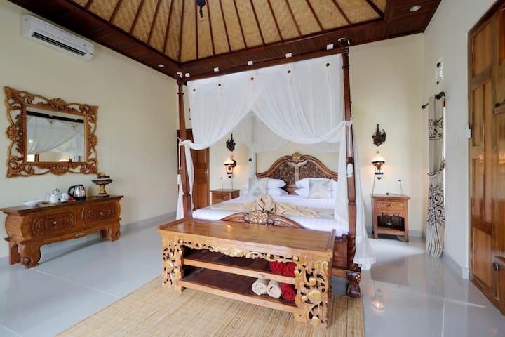 Room Bonato 1 with king size bed