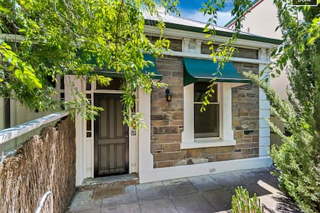 Fresh & lovely central cottage - Adelaide - Rumah