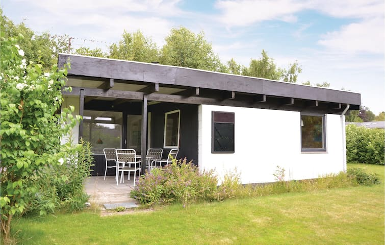 Holiday cottage with 2 bedrooms on 54m² in Gilleleje