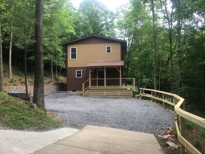 Fern - Brook Guest House/ Weaverville NC