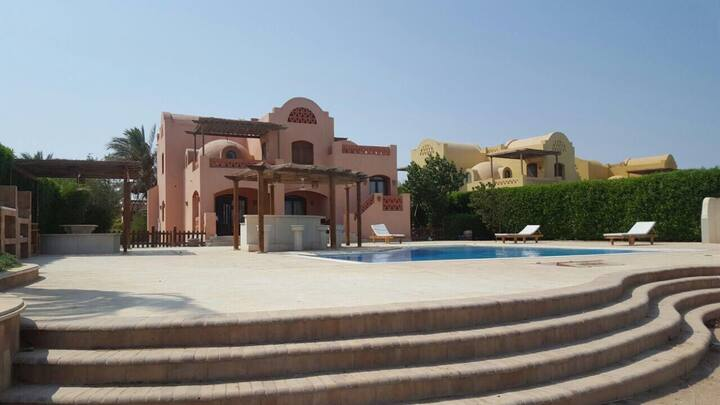 Private pool&lagoon view 4bd,Gouna villa GRV158