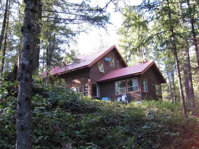 Idyllic family or group cabin near Whistler - 위슬러 - 샬레(Chalet)