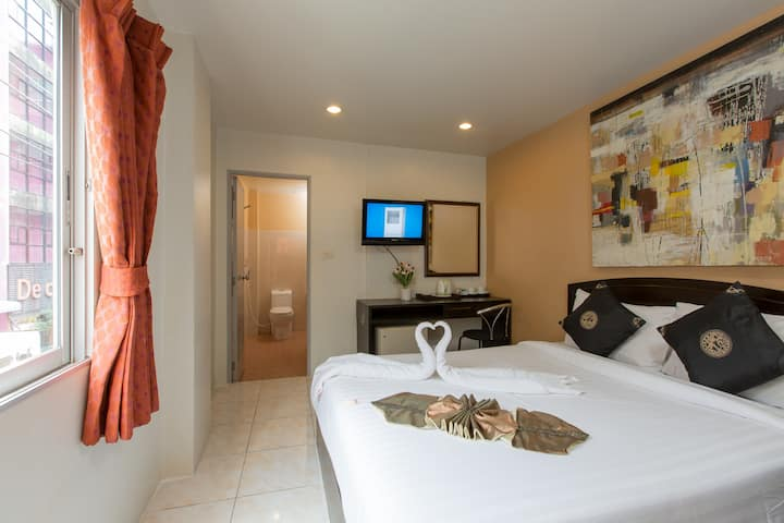 A double room ECO close to beach and nightlife :)