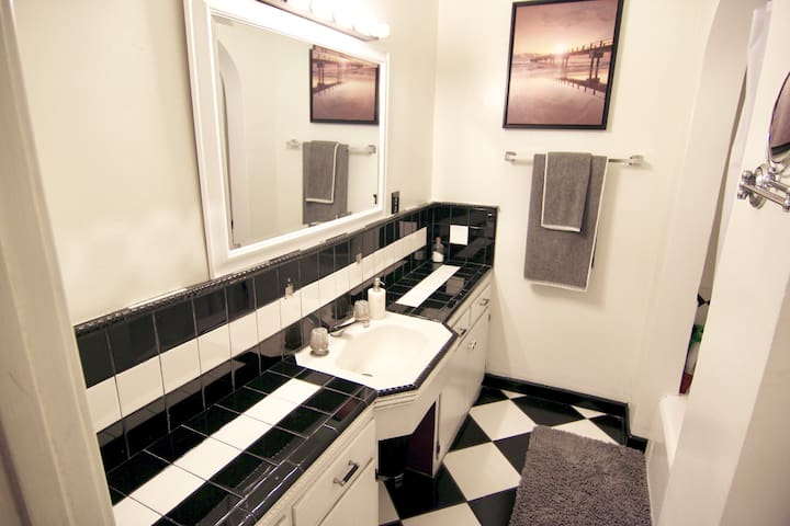 Shared guest bathroom.