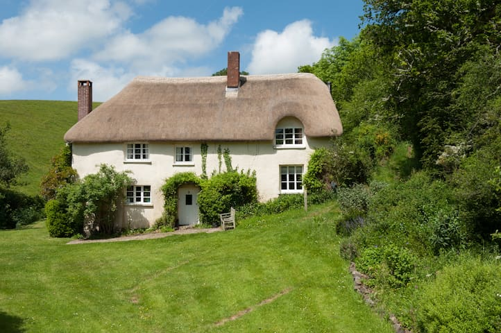 Charming country cottage once owned by a Prince.