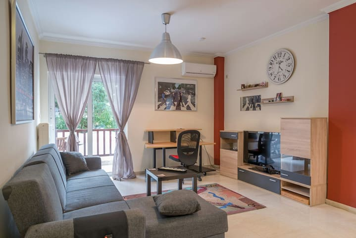 Lovely flat 12min from City Center - Chalandri - Lejlighed