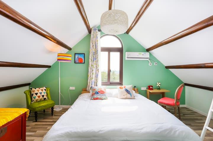 苓家北欧城堡大床房2(免费接送迪士尼乐园,仅5分钟,含早餐)