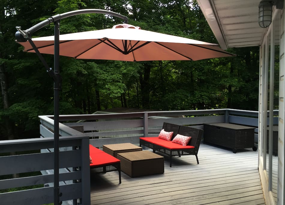 deck with lounge seating