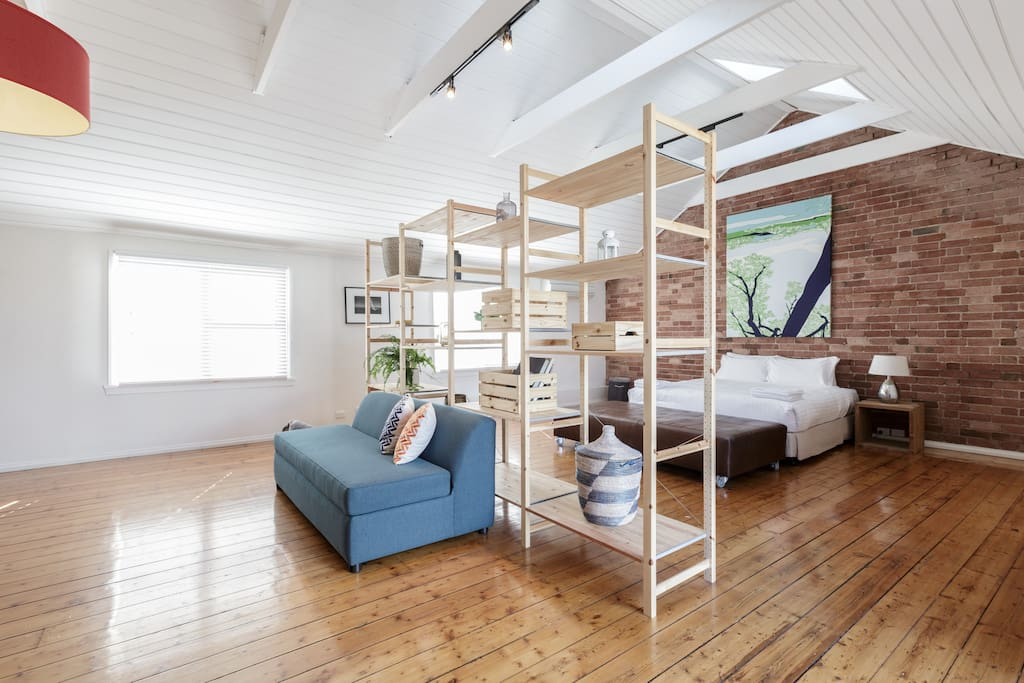 upstaits loft room with sofa bed