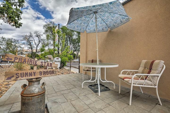 'Cowboy Country Inn': Apt on Main St in Escalante