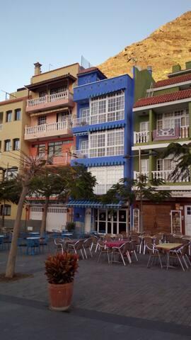 Puerto  de Tazacorte - Edificio Azul Vista monte