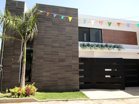 Modern House With Private Pool! 24hr security