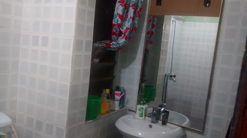 Private Room available in heart of Expat Group - Ikeja