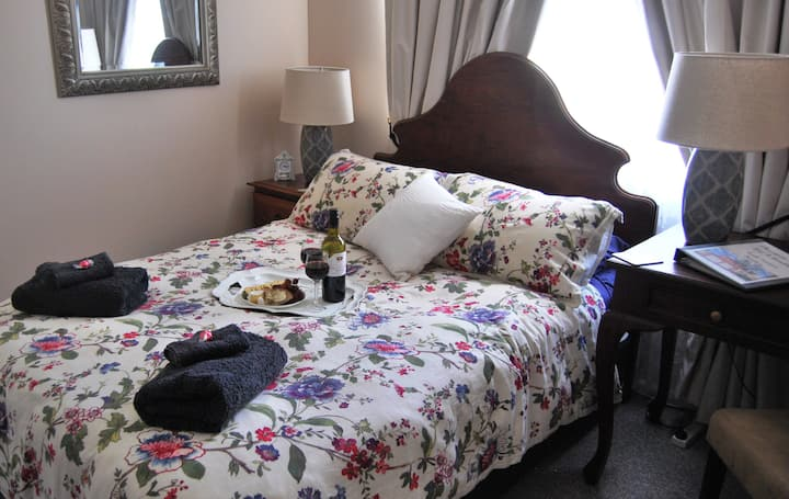 Cutmore Cottages - Meurants Manor B&B