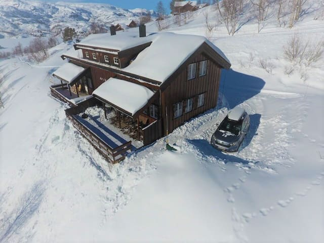 Vågsli  hytte ved Haukeli skisenter og lysløype.