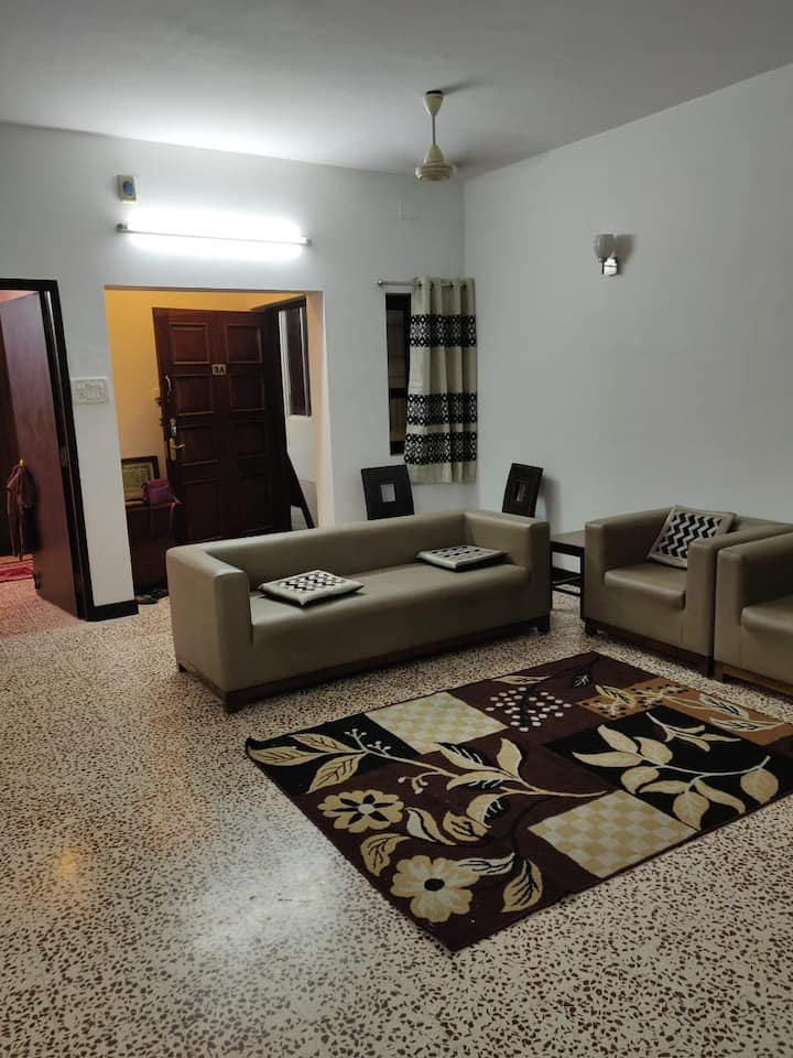 Temple tree family apartment in heart of Chennai
