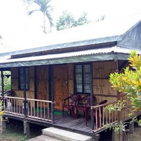 Mawlynnong Bamboo Cottage Room II