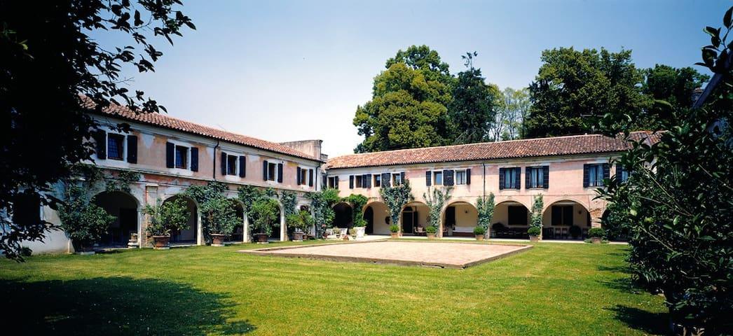 Villa Colloredo - Apt. Stalletta