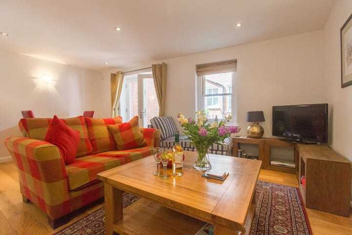 Stones Throw - Charming apartment near the seaside - Aldeburgh - Apartamento