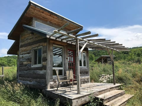 Hand-Crafted Cabin in Stunning Beaver Valley