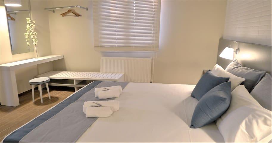 Deluxe Δίκλινο Δωμάτιο με μπαλκόνι