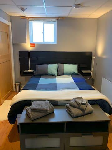 Bedroom with queen bed