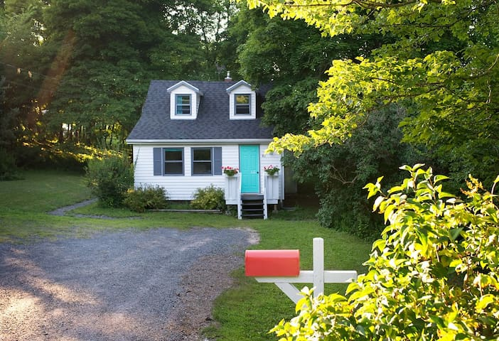 Entire House in Beautiful Annapolis Valley