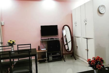 Fully-furnished house with WIFI, videoke & ebike