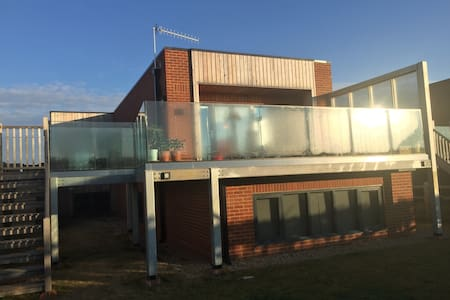Air&Earth - Aldeburgh - pvt suite- 2rooms+bathroom