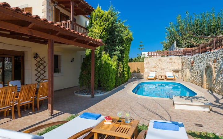 Villa Yannis, 4 BD, 2 BA, private pool