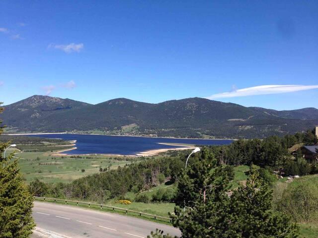 Appartement montagne/ski vue lac et montagnes