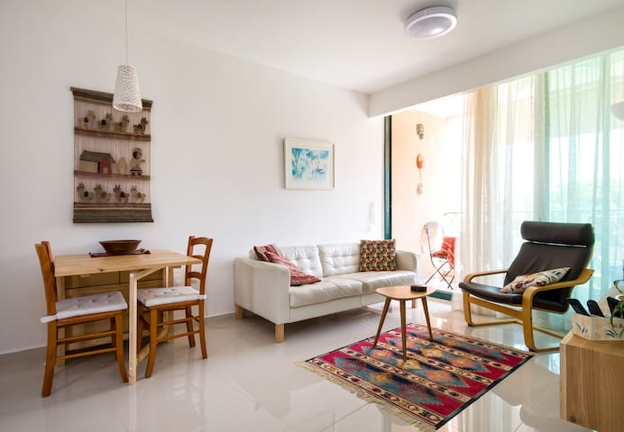 2 Bedrooms apartment in Caesarea - Caesarea - Appartement