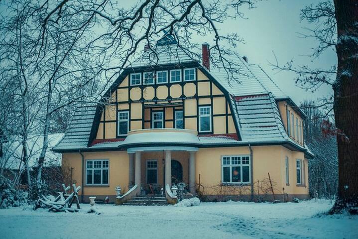 Historic Villa in the Heart of Fischerhude