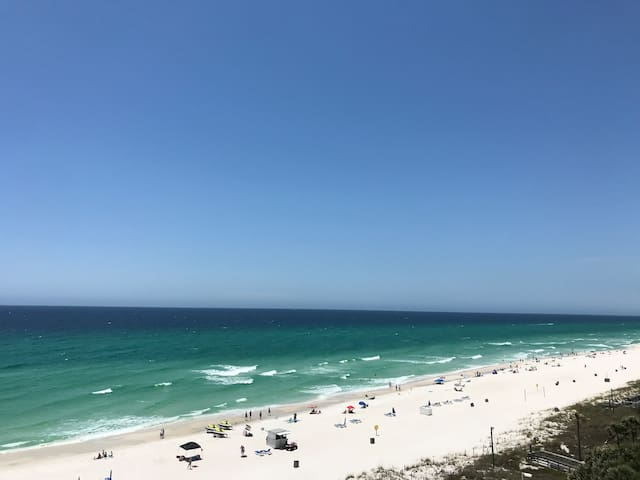 Gulf front 2 bedroom suite with amazing view!