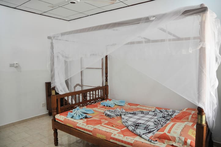 DEWMINEE GUESTHOUSE - Midigama Beach - Pension