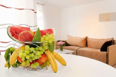 ★★★★Panorama Holidays - Comfy  lux - Kaštel Stari - Appartamento