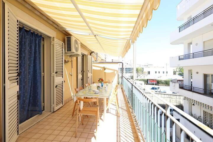 Letojanni Apartment con Balcone a 80 mt dal Mare!