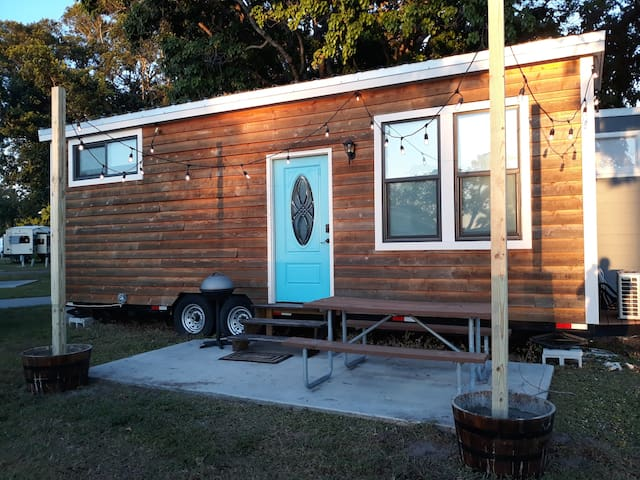 INTRODUCTORY PRICE!  2nd TINY HOUSE near Sanibel!