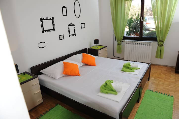 Lovely, chic, comfortable apartment - Ploče - Byt