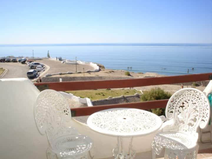 Departamento con vista al mar, piscina y cochera