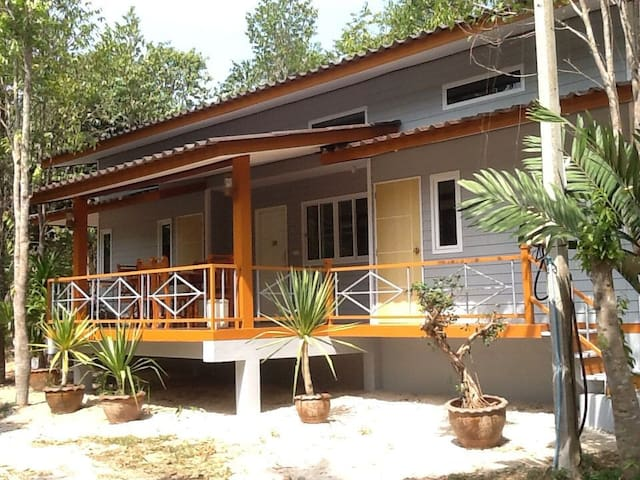 Room for 8 person @ kritsila home stay phatthalung
