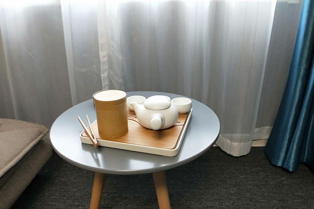 配有红茶绿茶