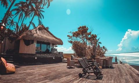 Beachfront Villa Nixie and the Sea Three