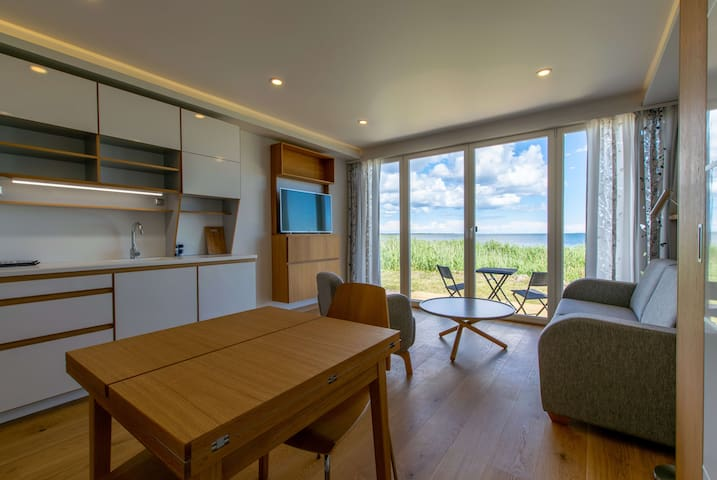 ★Modern Sea View Apartment | Beach, BBQ & Terrace