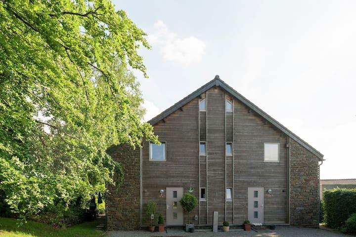 Gemütliches Ferienhaus mit Whirlpool und Sauna in Ovifat